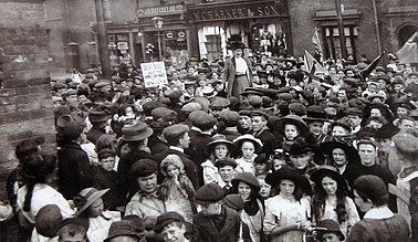 Mary Macarthur addressing the crowds during the chainmakers' strike, Cradley Heath 1910