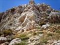 BLOKLU AÇIK BEJ OLUŞUM 32 METRE KAYA YÜKSEKLİĞİ - panoramio.jpg