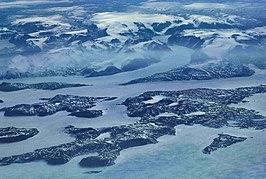 De noordoostkust van Baffineiland vanuit de lucht