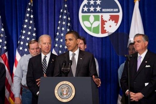 Barack Obama speaks at 2,000th approved ARRA project event 4-13-09