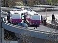 Barrandovský most, porouchaný autobus Vězeňské služby a přestup.jpg