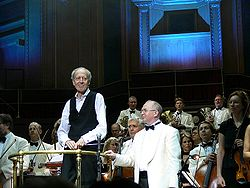 John Barry & Paul Bateman a Royal Albert Hallban, 2006 Szeptemberében