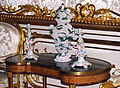 Bean-shaped table and porcelain items 01.jpg