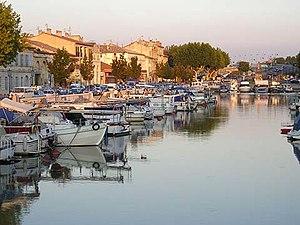 Canal du Rhône à Sète - Sunset at Beaucaire marina