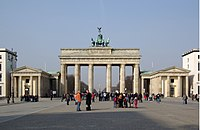 Berlin Brandenburger Tor BW 2.jpg