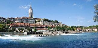 Die Aare in Bern mit Berner Münster