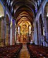 Besancon Cathédrale St. Jean Innen Langhaus West 3.jpg