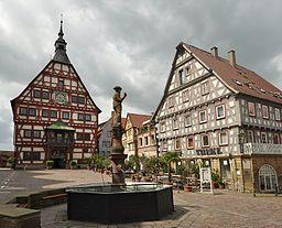 Besigheim, Marktplatz mit Rathaus