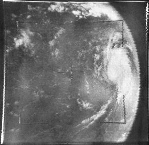 Hurricane Betsy - Image: Betsy from TIROS IX Spac 0008 repair