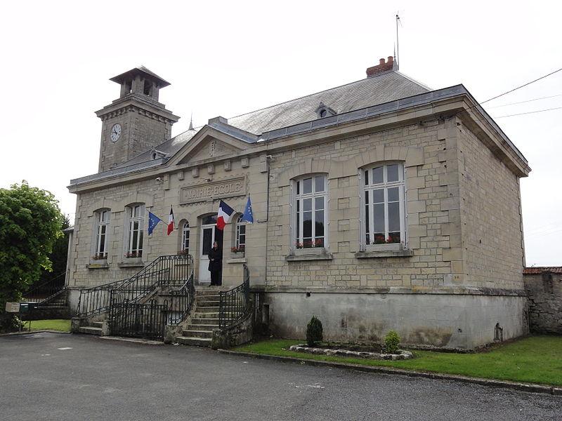 Bièvres (Aisne) mairie-école