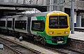 Birmingham New Street railway station MMB 22 323220.jpg