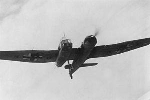 Blohm&Voss BV-141 im Flug (Bundesarchiv Bild 183-B21073).jpg