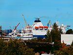 Bluefort approaching the Quay in Lahesuu sadam Tallinn 12 September 2016.jpg