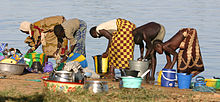 Description de l'image  Bobo's along the river the Niger.jpg.