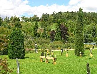Shona skulpturen wikipedia for Caracteristicas de un jardin botanico