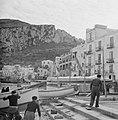 Boten en vissers in de haven van Anacapri, Bestanddeelnr 252-0056.jpg