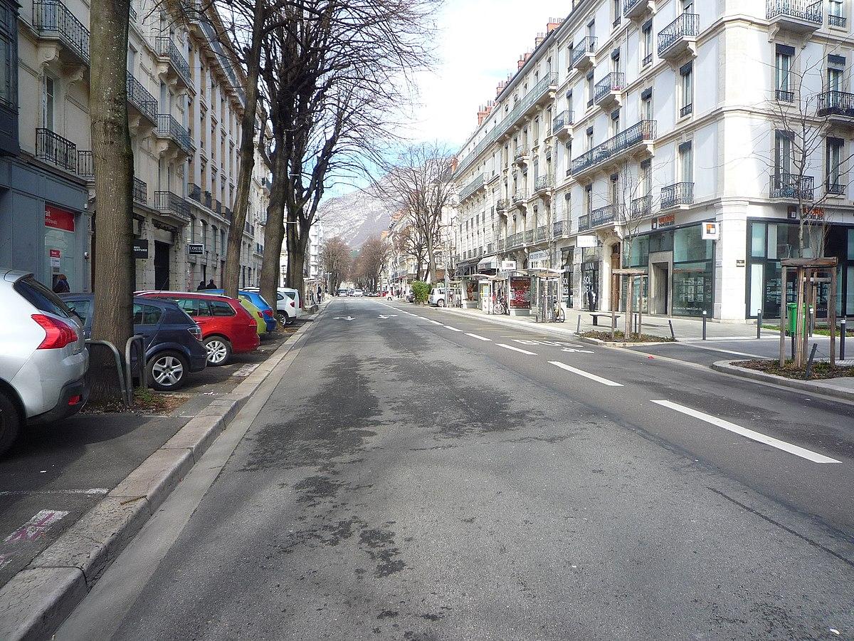 Avenue De L H Ef Bf Bdtel De Ville Victoria