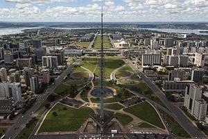 Brasilia_aerea_torredetv1304_4713