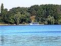 Bucuresti, Romania, Parcul Herastrau (Imagine din parc spre lacul Herastrau); B-II-a-A-18802 (ambarcatiune)(2).JPG