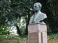 Busto do Prefeito Firmiano Pinto 11.jpg