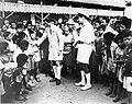 COLLECTIE TROPENMUSEUM De Chinese consul te Makassar bezoekt zijn landgenoten in Zuid-Celebes TMnr 10001524.jpg