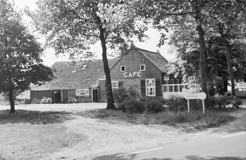 File:Caf' De Hespel, bij het Lievaartje - Dongen - 20059480 - RCE.jpg