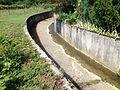 Canal du ruisseau du Raupand à la Boisse.JPG