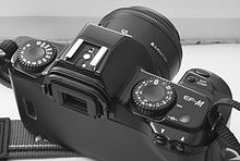 Canon-ef-m-three-quarter.jpg