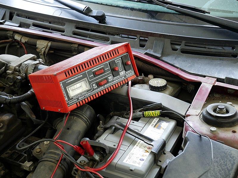File:Car battery charging 20180405.jpg
