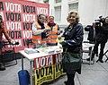 """Carmena tras votar - """"La esencia de la democracia es la participación de todos"""" (01).jpg"""
