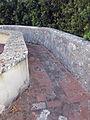 Castello di Belcaro, camminamento delle mura 05.JPG