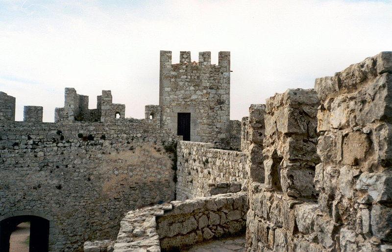 Imagem:Castelo de Sesimbra.jpg
