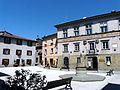 Castiglione di Garfagnana-piazza del municipio1.jpg