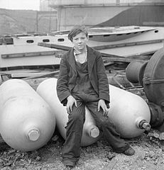 Cecil Beaton Photographs- Tyneside Shipyards, 1943 DB152.jpg
