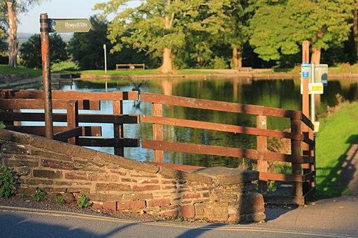 Cefn Bridge and Fourteen Locks Pool