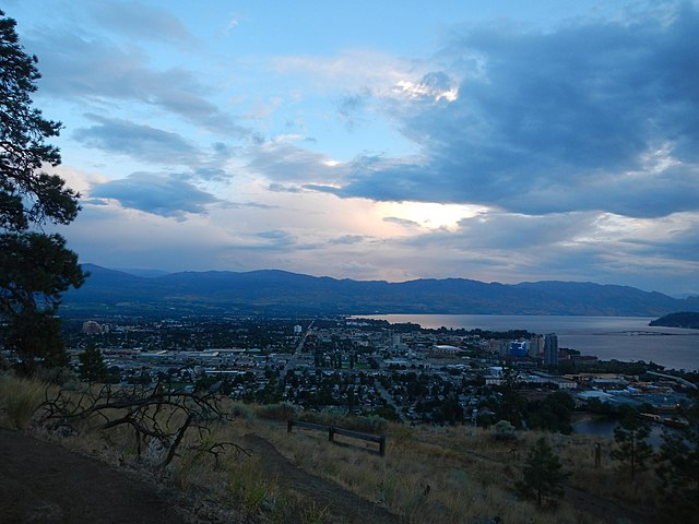 Kelowna by Eric Friedebach [CC BY 3.0  (https://creativecommons.org/licenses/by/3.0)], via Wikimedia Commons