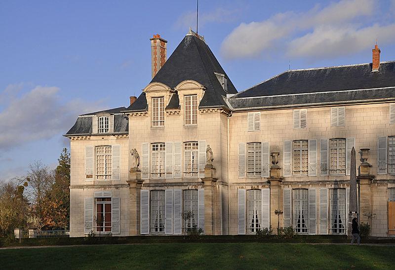 File:Château de Malmaison - southwest garden side 004.jpg