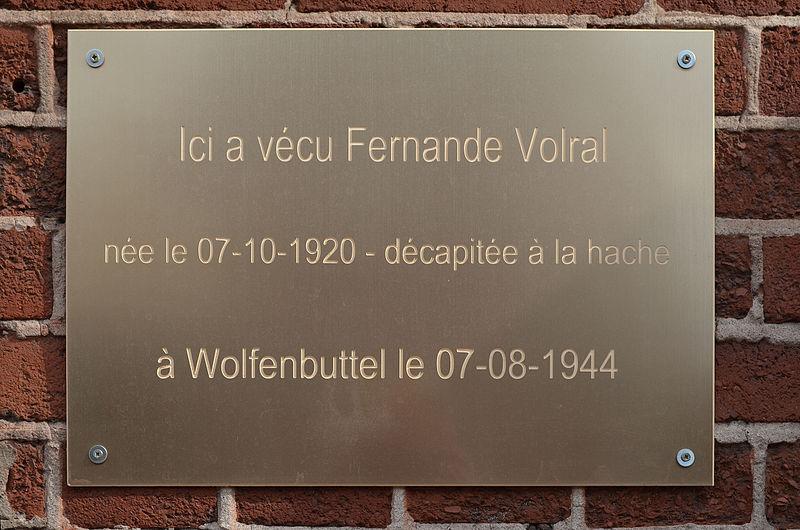 File:Charleroi - plaque Fernande Volral - boulevard des Alliées.jpg