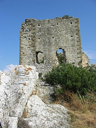 Aureille - Part of the ruined wall of the Château d'Aureille.