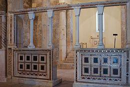 Interno di San Pietro in Albe