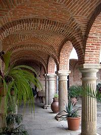 Claustro del convento del Palancar.jpg