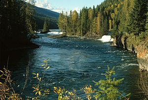 Clearwater River (British Columbia) - Clearwater River and Osprey Falls at outlet of Clearwater Lake