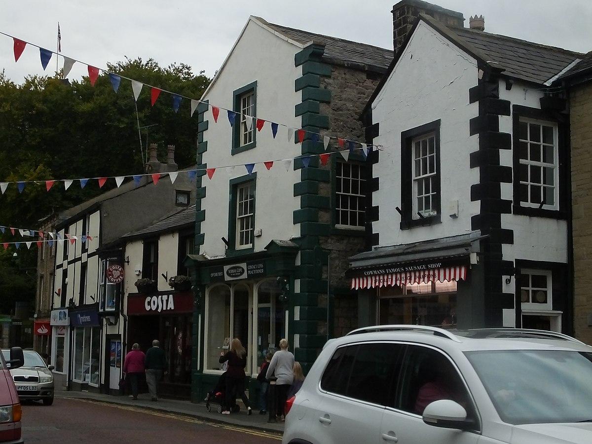 Clitheroe -Castle Street 8815.JPG
