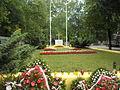 Cmentarz wojskowy w Radzyminie - mogiła bohaterów 1920 (1).JPG