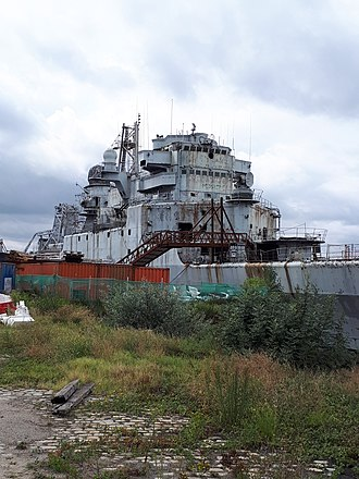 French cruiser Colbert (C611) - French cruiser Colbert during decontamination prior to scrapping August 2017