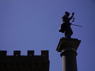 La colonna della Giustizia in Piazza Santa Trinita a Firenze