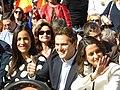 Constitucionalistas del partido Ciudadanos, Albert Rivera, Inés Arrimadas (saludando, a la derecha), en la Plaza de la Villa, en Madrid, España.jpg