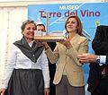 Cospedal inaugura la Torre del Vino Museo Etnográfico de Socuéllamos.jpg