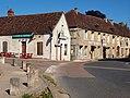 Courson-les-Carrières-FR-89-café & hôtel-01.jpg