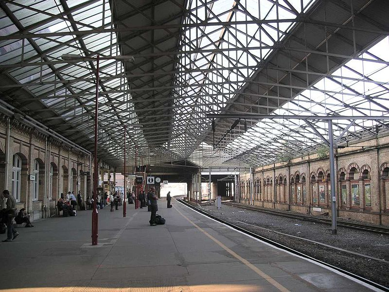 File:Crewe station platform12.jpg